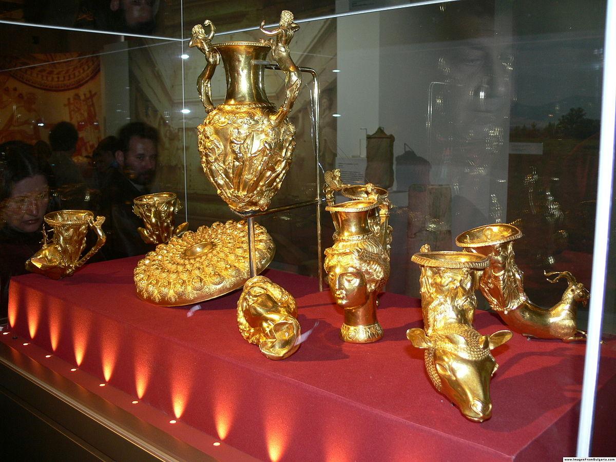 1200px-Thracian_treasure_NHM_Bulgaria
